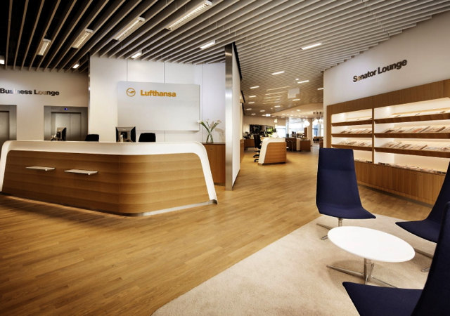 Review-Lufthansa Senator Lounge Frankfurt - Reception