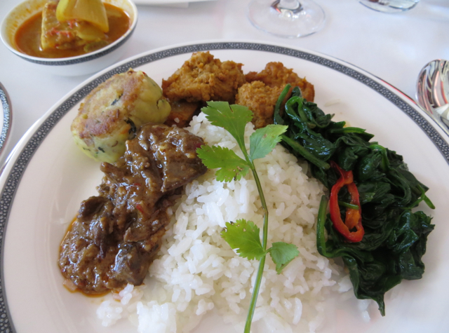Singapore Suites A380 Review Frankfurt to Singapore - Nasi Padang Coconut Rice with curries