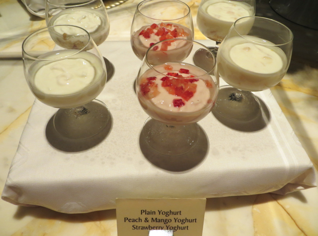 Singapore Airlines Private Room Lounge Review - Yogurts