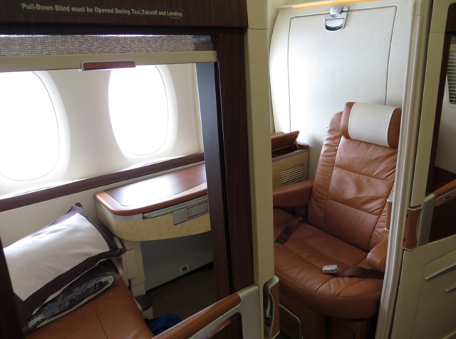 Singapore Suites A380 Review Singapore to Hong Kong - Suite 3K