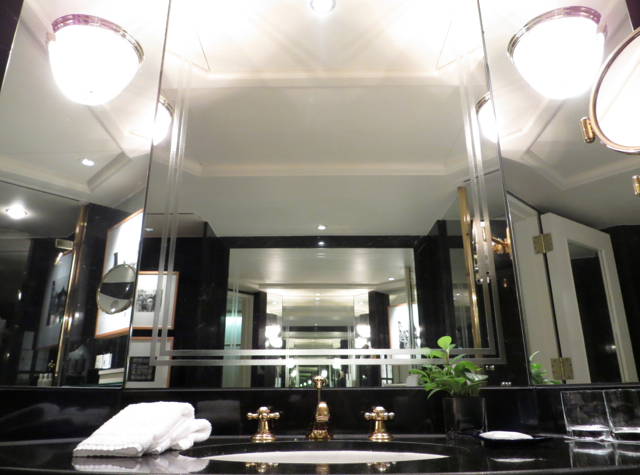 Review: Grand Hyatt Hong Kong Club Room Bathroom Sink