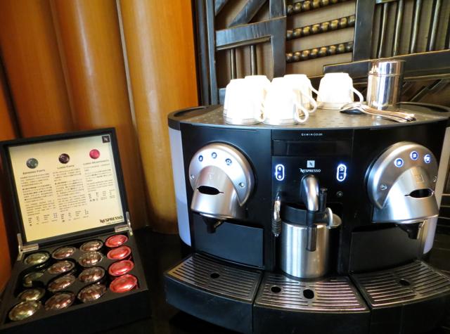 Review-Grand Club-Grand Hyatt Hong Kong - Nespresso Machine