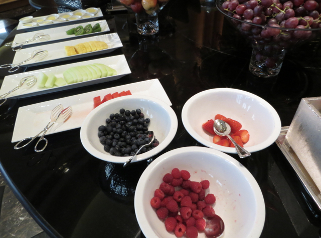 Review-Grand Club-Grand Hyatt Hong Kong - Fresh Fruits