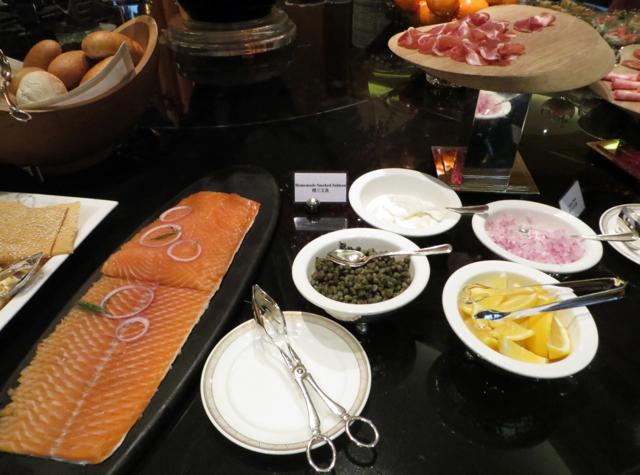 Review-Grand Club Lounge, Grand Hyatt Hong Kong - House Smoked Salmon
