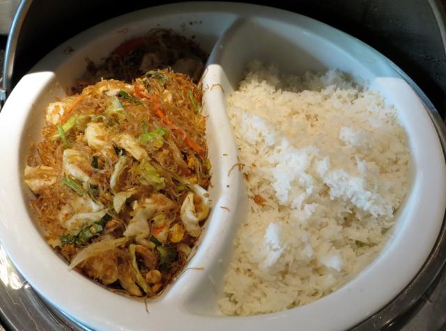 Novotel Bangkok Airport Hotel Executive Lounge Breakfast - Noodles and Rice