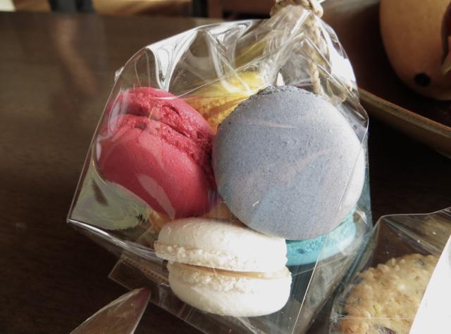 Conrad Koh Samui Review - Welcome Cookies - Macarons