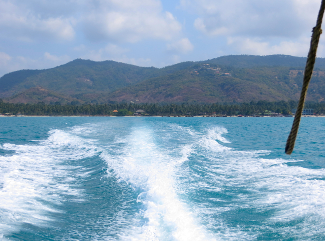 Koh Taen Snorkeling with Tours Koh Samui Review - View of Koh Samui from Speedboat