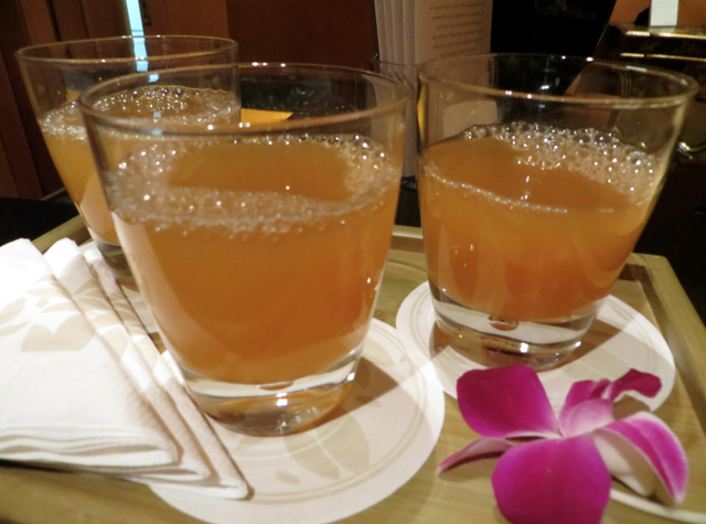 Four Seasons Singapore Review - Welcome Drinks