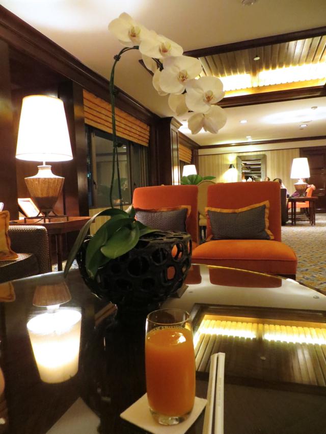 Four Seasons Bangkok Executive Club Lounge Check-in