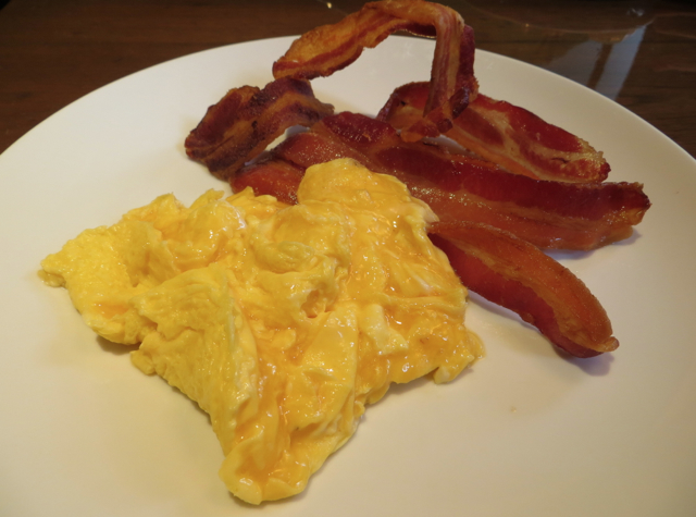 Eggs Cooked to Order with Bacon, Four Seasons Bangkok Breakfast Buffet