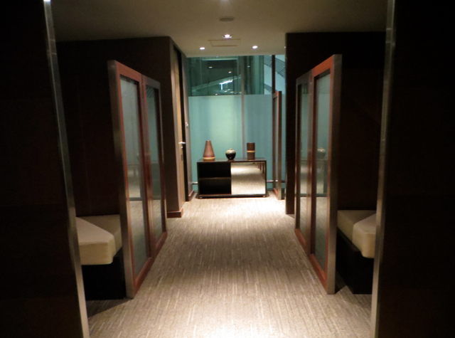 Thai Airways Royal Orchid Lounge Bangkok Review - Nap Rooms