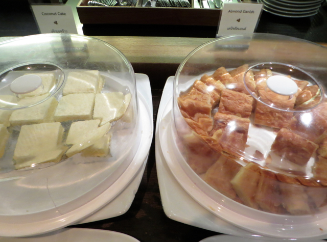 Thai Airways Royal Orchid Lounge Bangkok Review - Coconut Cake and Almond Danish