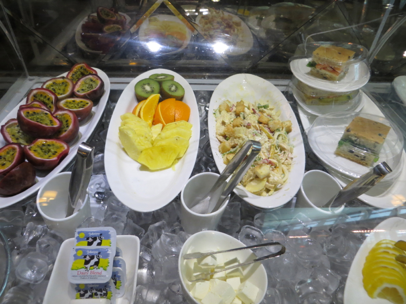 Asiana First Class Lounge Seoul Review - Sandwiches and Fruit