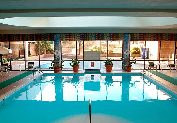 Newark Airport Marriott Hotel Review - Swimming Pool