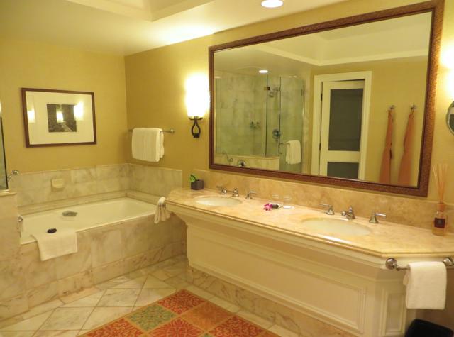 Four Seasons Maui at Wailea Review - Spacious Marble Bathroom