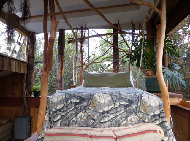 Hawaii Volcano Treehouse Review - Queen Bed