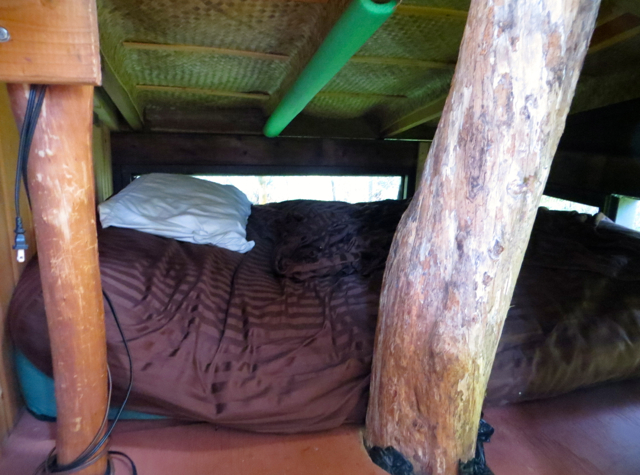 Hawaii Volcano Treehouse Review - Cozy Kids' Bed