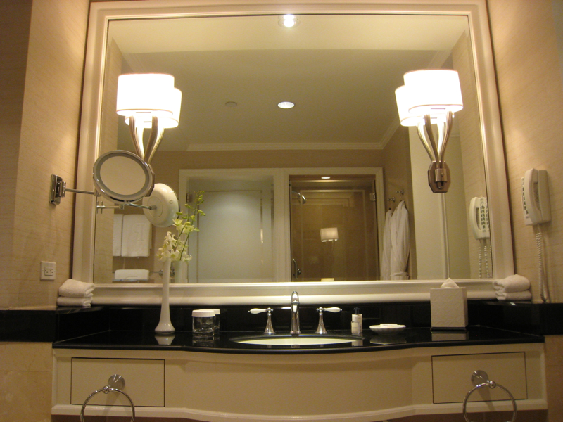 The Peninsula New York - Grand Luxe Bathroom