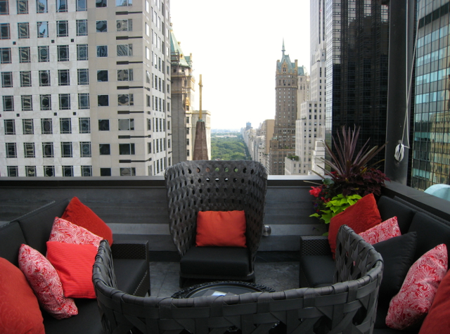 The Peninsula New York Review - Sundeck Seating