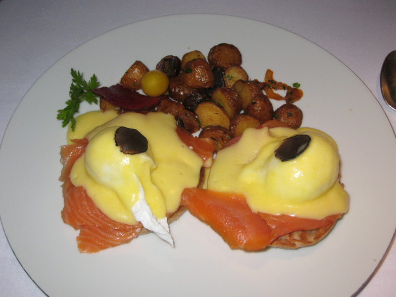 Eggs Benedict with Smoked Salmon, Clement