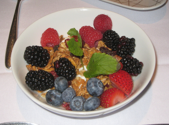 Hammond Farms Yogurt with Berries and Granola, Clement